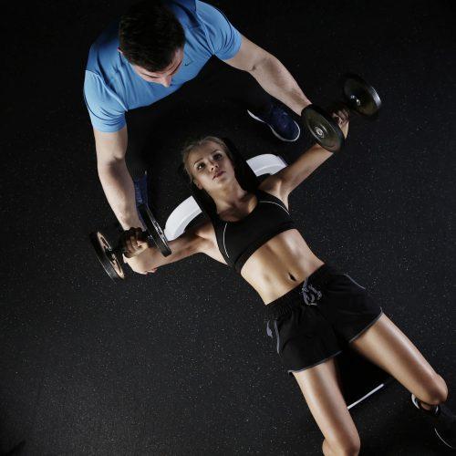 Foto Personal Trainer al lavoro